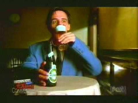 Nach den Ausgehtagen zu trinken es ist der Alkoholismus