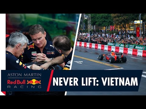 Image: WATCH: Red Bull bring F1 to Vietnam!