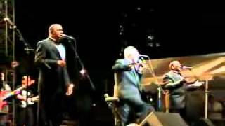 Bill Pinkney & The Original Drifters (White Christmas)