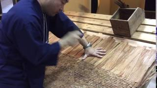 檜皮葺き職人の華麗な技