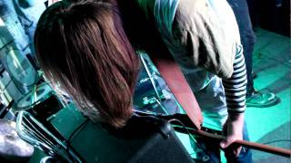 группа ИЗ ВНЕ ломает гитары на VORC FEST 2011