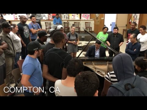 Classical Pianist Performs Dr.Dre Mashup in Compton