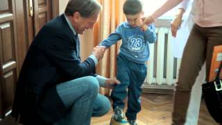 Plastic Surgeon Dr  Klaus Exner sucessfully operated 35 children for BigShoe2014