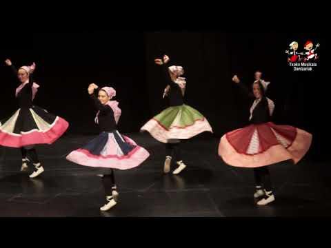 1712160104 Zuia dantza taldea, Arabako VIII  Fandango eta Arin arin Koreografiaren Txapelketan