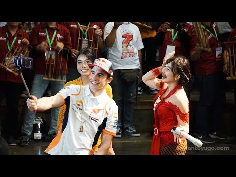 (Full Video) Keseruan Marc Marquez di Saung Angklung Udjo...