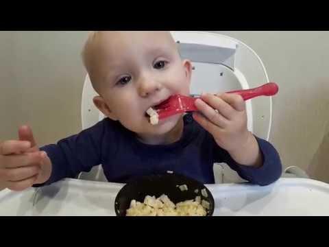 Чем кормить ребенка после года? Питание малыша. Обед.