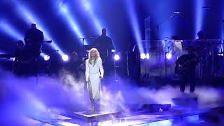 Faith Hill Performing Breathe/Wild One at Barclay's Center