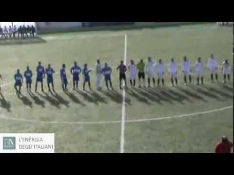 Preview video GINOSA-REAL SAN GIORGIO 0-1 Ginosa dai due volti, deconcentrato nel primo tempo, determinato e sfortunato nella ripresa. Arbitraggio non all´altezza.