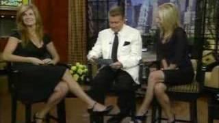 Connie Britton au Talk Show Regis & Kelly - 5/07/07