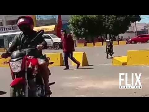 Homem é flagrado derrubando barreira de proteção no trânsito de Apodi