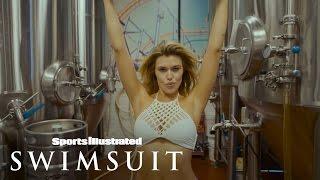 Samantha Hoopes Stunning Summer Of Swim Beach Body Workout   Sports Illustrated Swimsuit