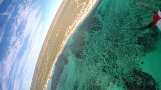 Aeromodelo cai no mar e capta imagens impressionantes