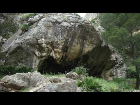 Cueva del Toro. Tajo de las Palomas