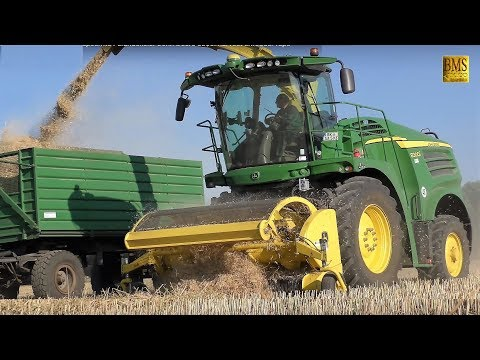 Rapsernte Feldhäcksler John Deere 8300i - Winterfeld Rapsstroh häckseln harvest shredder rape straw