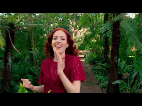 "Justin Timberlake's ""Can't Stop The Feeling"" danced by Emma Watkins, Yellow Wiggle"