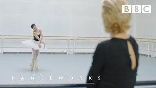 The principal dancer of the Royal Ballet Natalia Osipova meets Zenaida Yanowsky - BBC