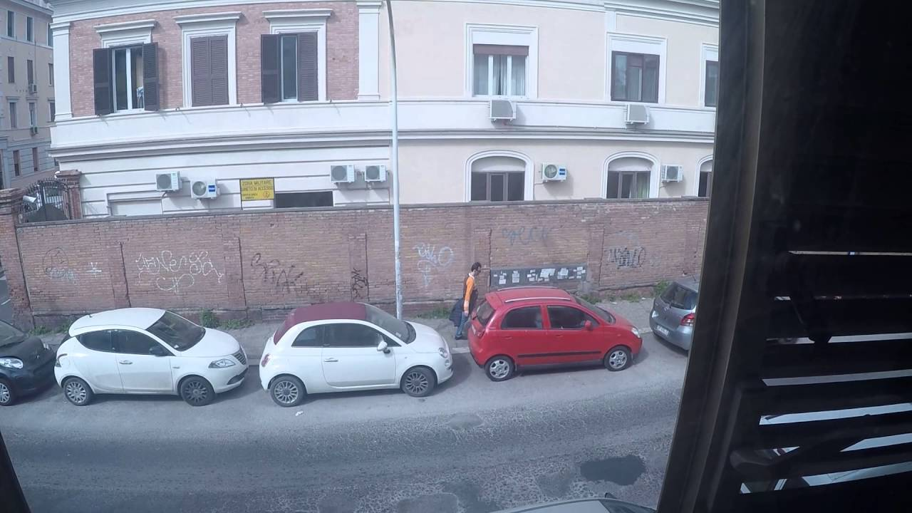 Spacious 2-bedroom apartment for rent in Trastevere, close to the train station
