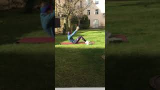 Beine und Bauch mit Dani (30 Min.)