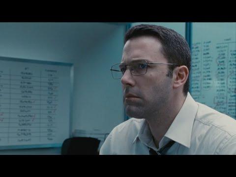Video trailer för The Accountant - Official Trailer 2 [HD]