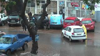 preview picture of video 'Chuva em Luanda. Angola'