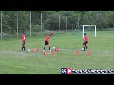 Lobben im Hürdenstern - Fussballtraining Fußball 1131