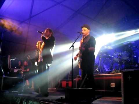 Lindefeesten - Band Zonder Banaan - Stukje Lopen - 22 april 2011 Sambeek