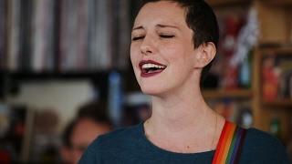 Gambar cover Esmé Patterson: NPR Music Tiny Desk Concert