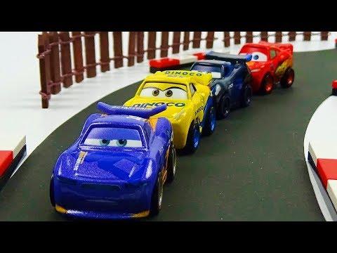 Cars 3 Mini Racers Race! Stop Motion Animation Lightning McQueen Jackson Storm Cruz Ramirez Daniel