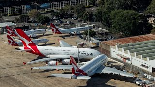 Qantas to Raise $1.3 Billion, Cut at Least 6,000 Jobs