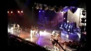 "Christina Aguilera - ""Makes Me Wanna Pray"" live endings"