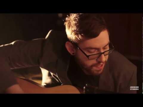 Live @ Jooniors - S05E25 - Justin Martin - 01 - Misery Loves Company (Live HD)
