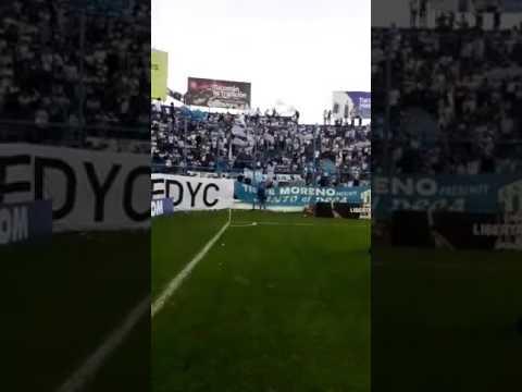 """""""Yo desde pendejo jure que te iva a amar"""" Barra: La Inimitable • Club: Atlético Tucumán"""