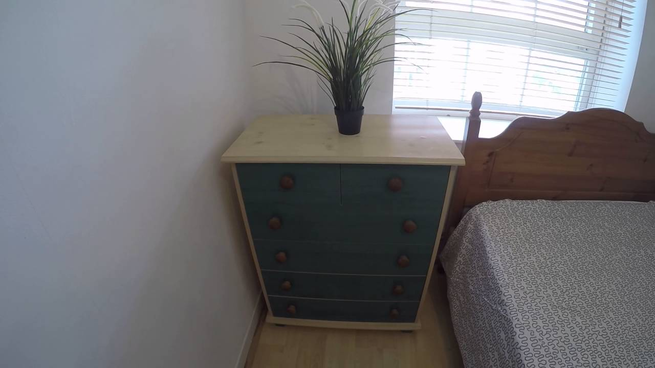 3 rooms to rent in bright flat near City University in Islington area
