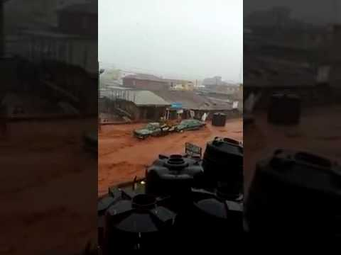 Flood Carrying Cars, Water Tanks and even Houses in Edo