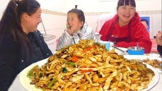 Northern Shaanxi rural noodles, pork + potato, delicious to stop! Fun!