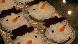 How To Make Holiday Snowman Cupcakes