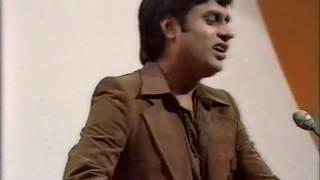 Jagjit Singh Live Gham Mujhe Hasrat Mujhe - YouTube