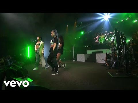 Tinashe - Party Favors (Live on the Honda Stage)