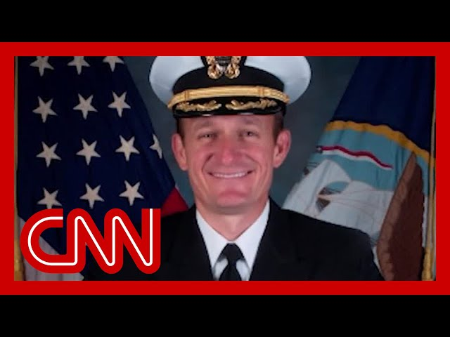 Sailors cheer Navy captain removed for coronavirus warning