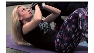 Trénink posilování břišních svalů/břicha