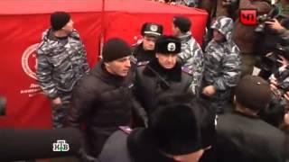 Милиция применила слезоточивый газ, разгоняя толпу у кабмина Украины.