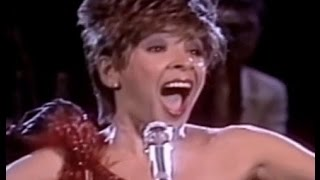 Shirley Bassey - GOLDFINGER / Almost Like Being In Love (Medley) (1987 Live in Berlin)