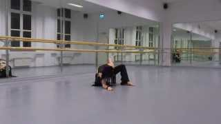 Desideria Freestyle Bauchtanz Improvisation 11/2013 Terminal Choice Wake up