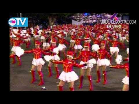 Daniel y Rosario presiden colorido y rítmico desfile en saludo a las Fiestas Patrias