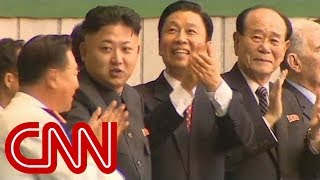 Download Video CNN reporter allowed to get up close to Kim Jong Un MP3 3GP MP4