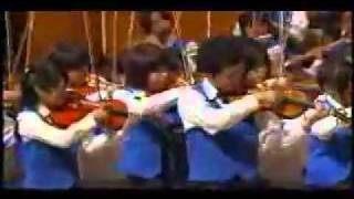 Orquesta japonesa fusiona a Beethoven con Peréz Prado dirigidos por Akira Miyagawa