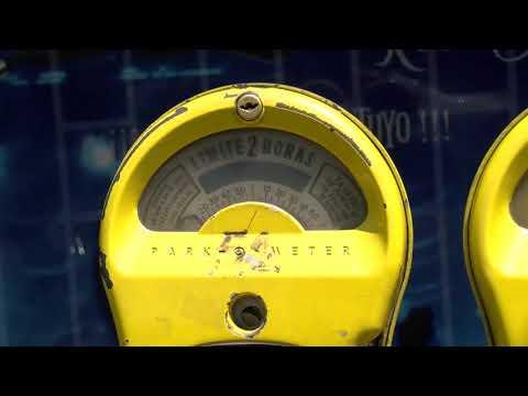 Instalan nuevos parquímetros electrónicos