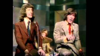 Bee Gees - I Started A Joke (Live)