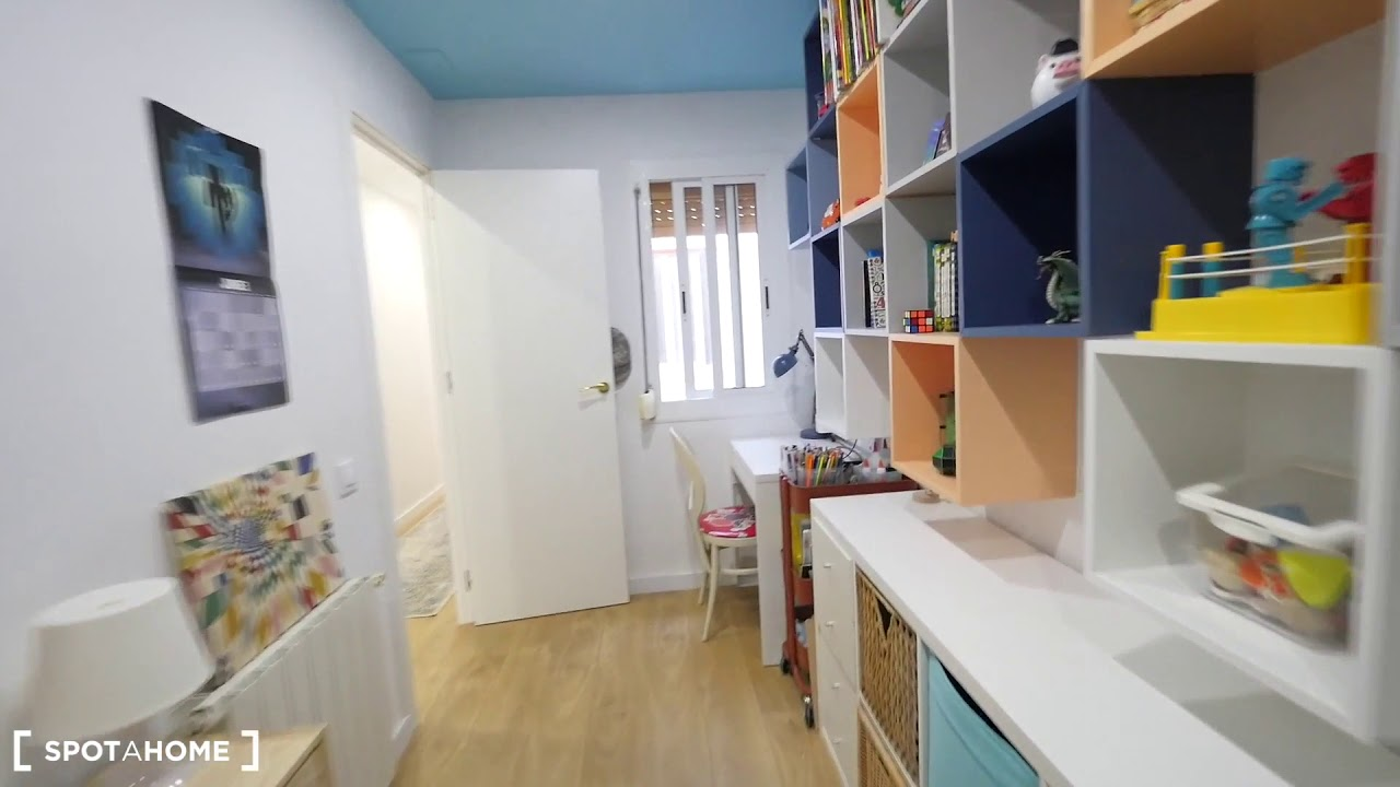 Stylish 3-bedroom apartment for rent in Can Baró