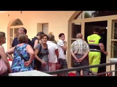 In fila per salutare Laura Prati